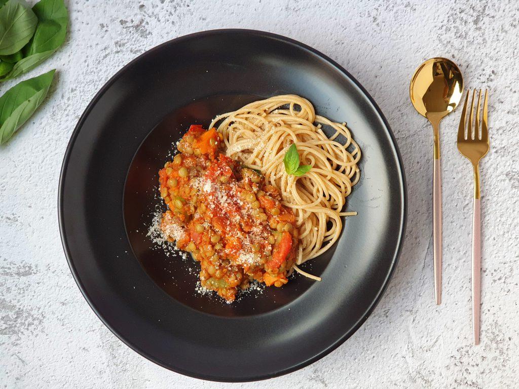 een recept voor een vegetarische linzenspaghetti
